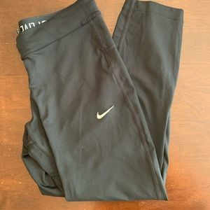 Black 3/4 length Nike leggings